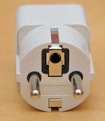 220v Euro-plug universal adapter